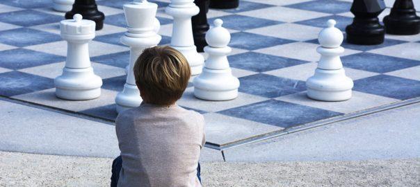 Когда и как учить ребенка шахматам
